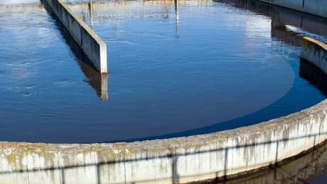 Abastecimento e Tratamento de água e esgoto
